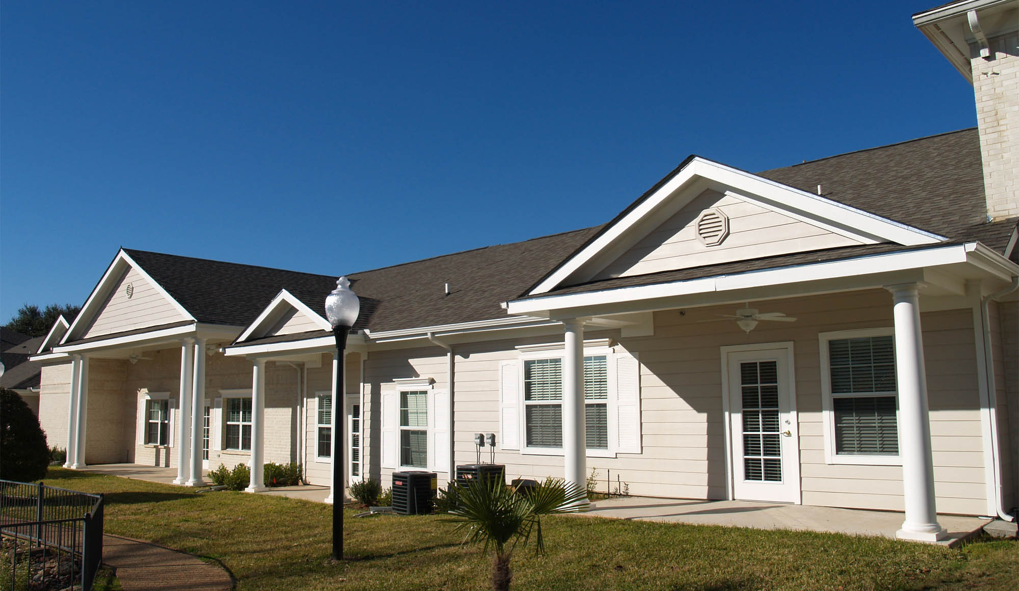 Montclair Park Assisted Living Front View